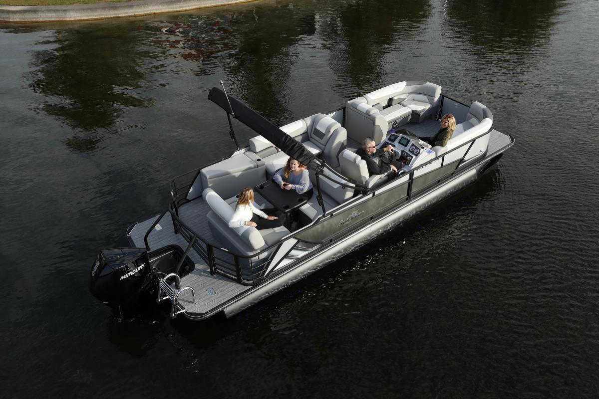 Freshwater Marine   Sunchaser Eclipse Pontoon Boat